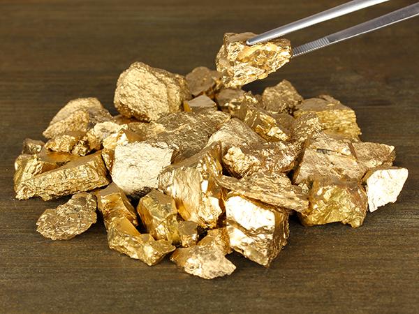 24-carat-gold-facial-2